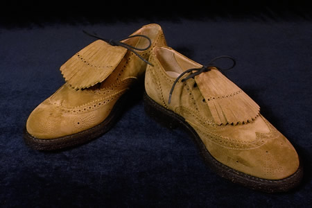 needles_fw2009_trickers-gillieshoes01