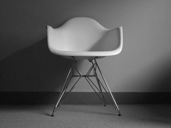 eames_shell_chairs_01