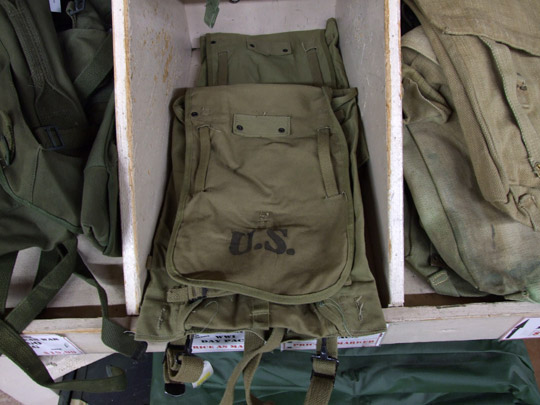 mil_surplus_bag_09