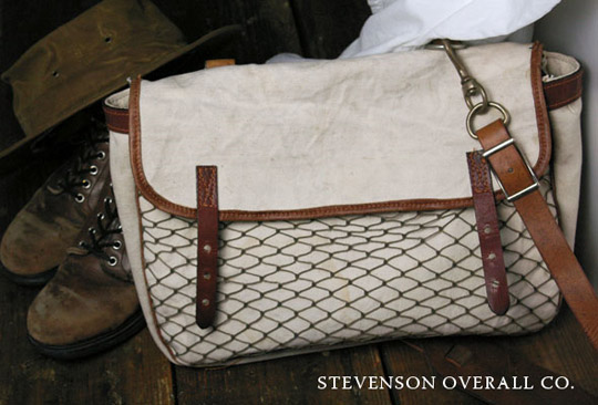 stevenson_field_bag
