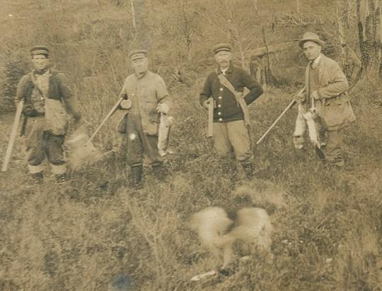 Antique Hunting Gear Best 2000 Decor Ideas
