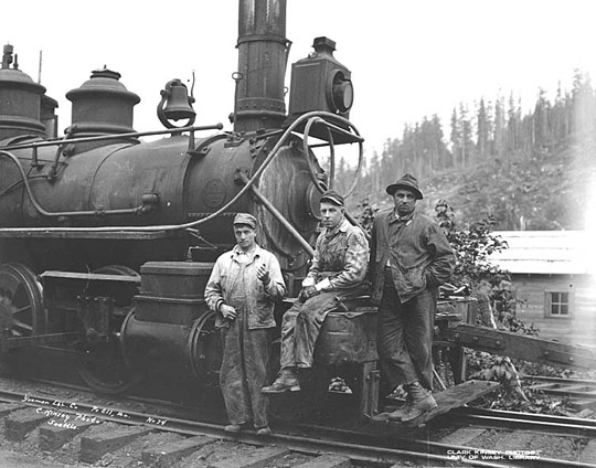 logging_locomotive_09